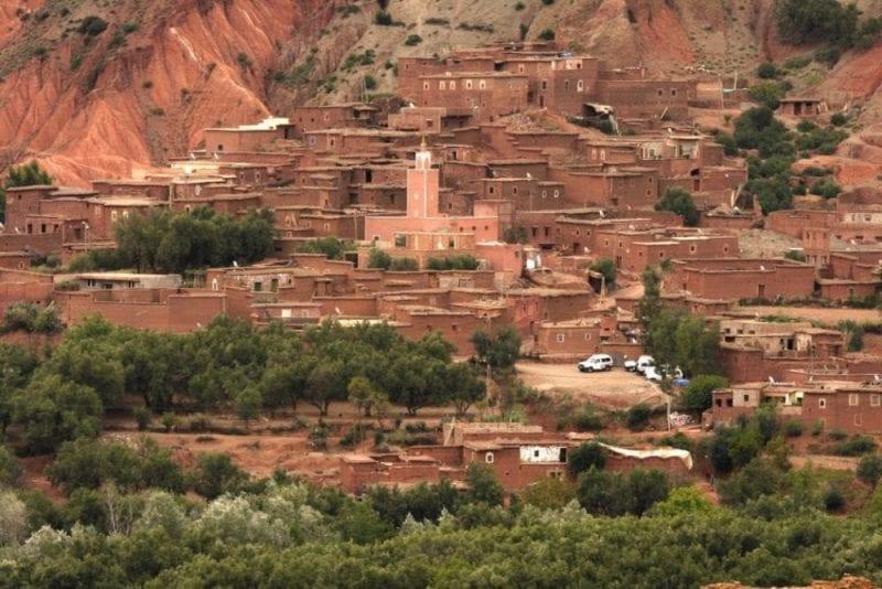 Panorámica de Outghal, pueblo bereber en el Atlas