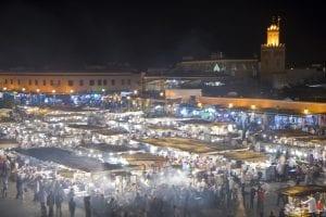 Foto nocturna de la plaza de Jemaa el Fna