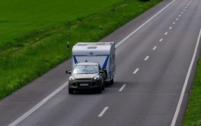 Las caravanas necesitan un coche de apoyo