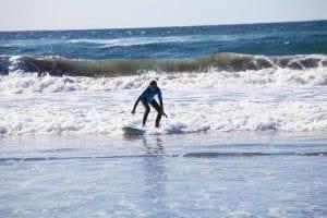 Las Canteras es uno de los mejores destinos de surf del mundo