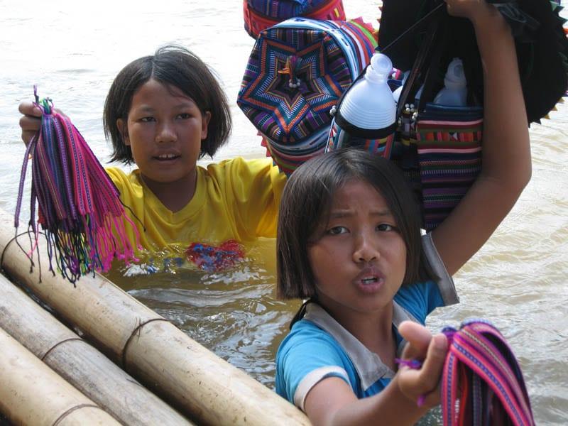 En Tailandia hay muchos mercados flotantes