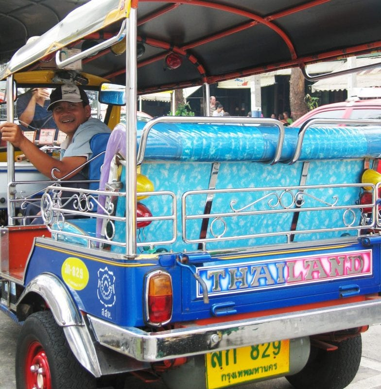 El tuc tuc, vehículo típico de Bangkok