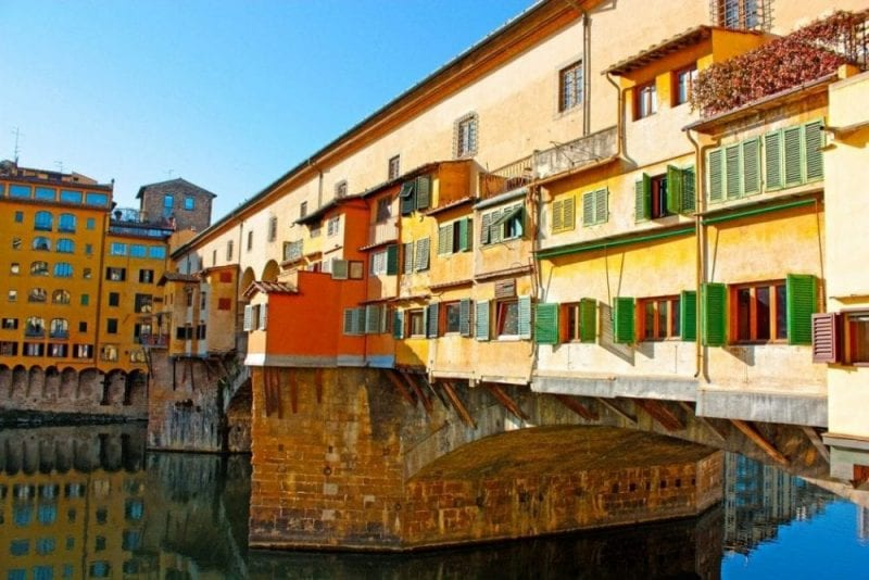 Detalle de las construcciones sobre el puente vecchio