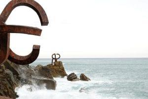"""El """"peine al Viento"""" el monumento más fotografiado de San Sebastián"""