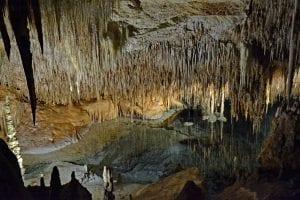 Interior de las cuevas de Drach