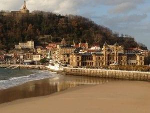 La playa de la Concha está en el centro de la ciudad