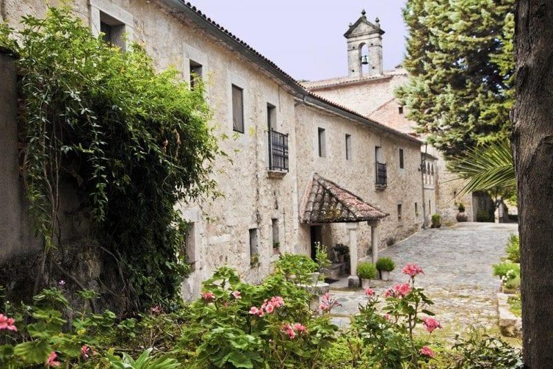 Fachada exterior del monasterio del Palancar
