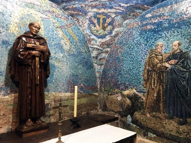 Detalles del mosaico de la capilla del monasterio del Palancar