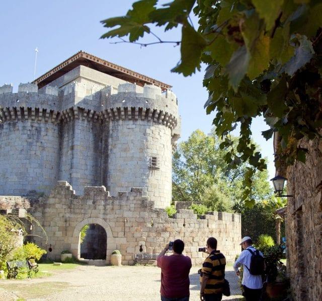 El castillo de Granadilla es originario del s.XV