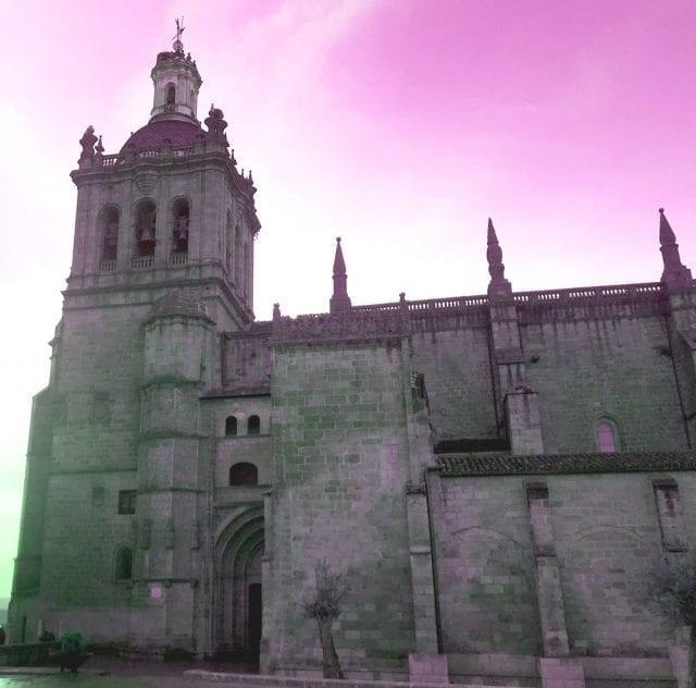 Fachada gótica de la catedral de Coria