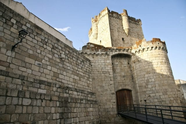 Vista del castillo de Coria