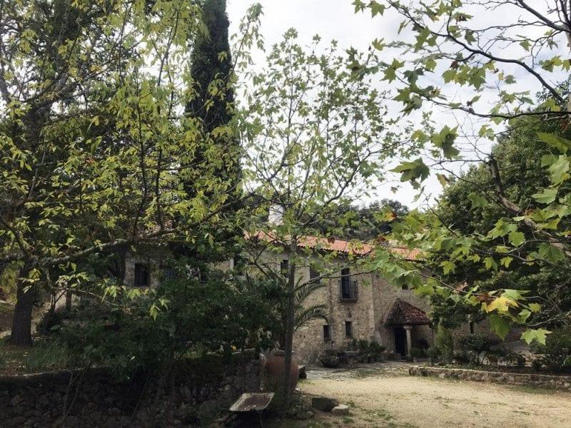 El jardín del monasterio es un pequeño vergel