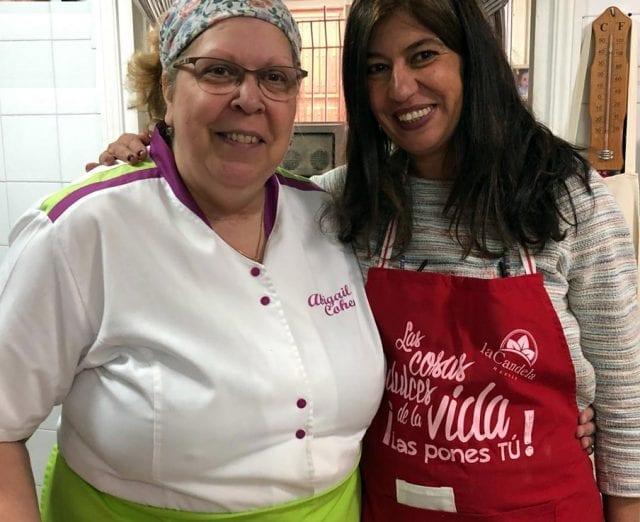 Nani Arenas y Abigail Cohen durante su taller de cocina