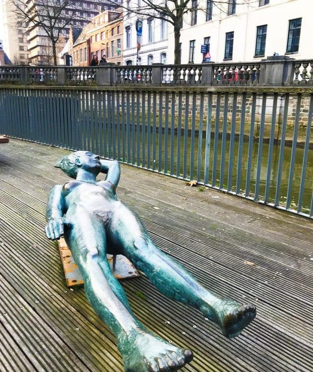 Friere Margriet yace para siempre al lado del río