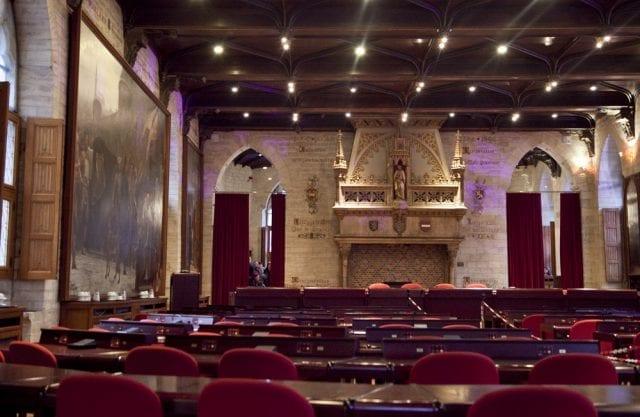 Salón de plenos del ayuntamiento de Lovaina