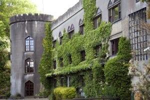 Fachada exterior del Abbeyglen Castle Hotel