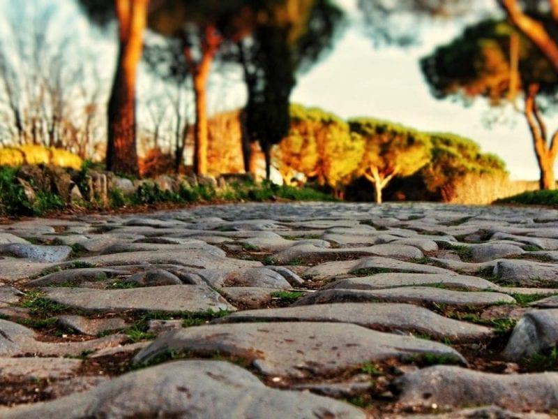Roma está llena de adoquines. ¡Prohibidos los tacones!
