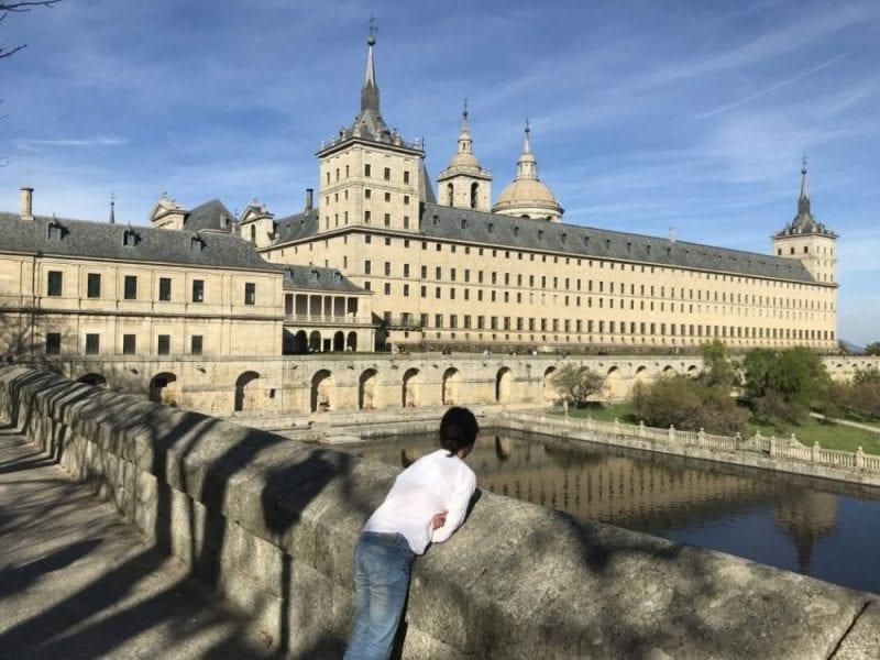 El Monasterio del Escorial está más de media hora de Madrid
