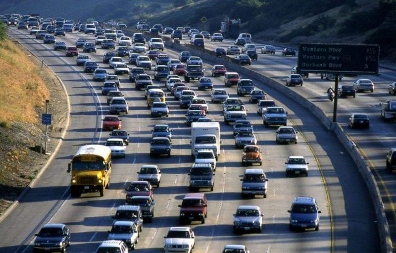 Los Ángeles es una ciudad enorme que recomiendo visitar con un coche de alquiler