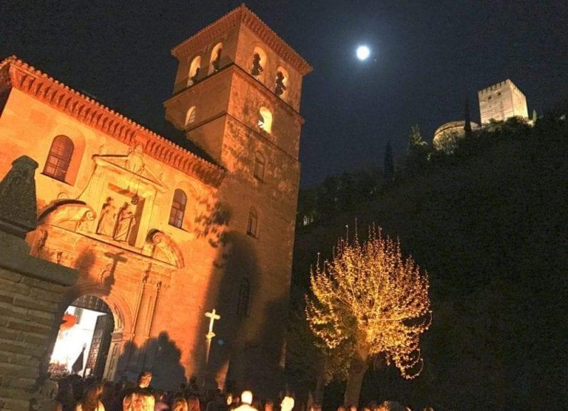 Los encierros nocturnos son los más espectaculares en Granada