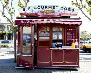 Los foodtrucks compiten con los puestos de perritos clásicos