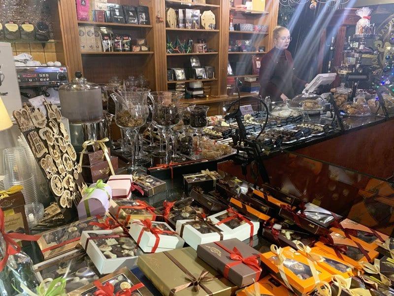 En Pilies sokoladine venden el mejro chocolate de Vilnius