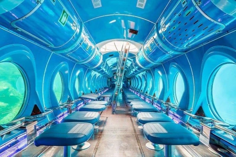 Interior del submarino turístico de Canarias