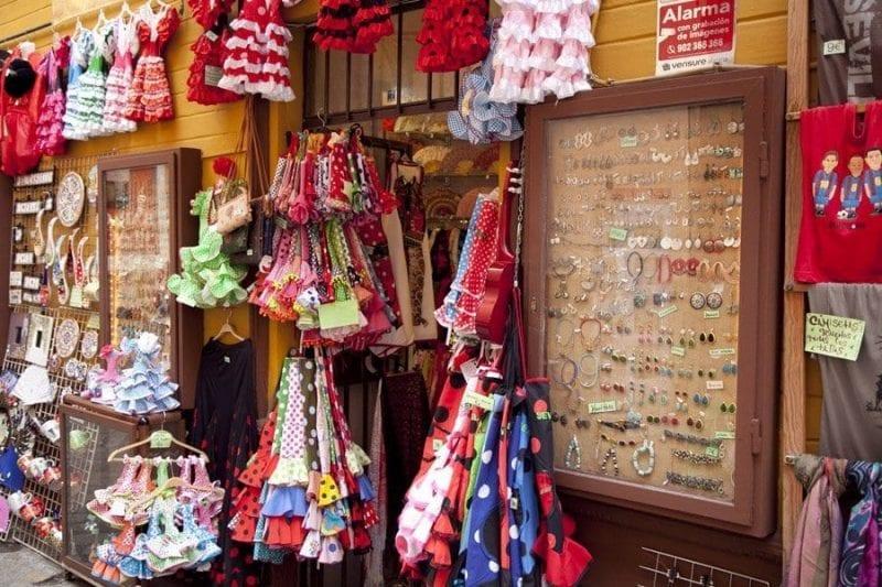 Puesto de recuerdos en Sevilla