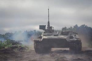 Conducir un tanque militar es posible