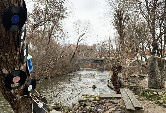 Uzupis se esconde tras un recodo del rio Vilnia