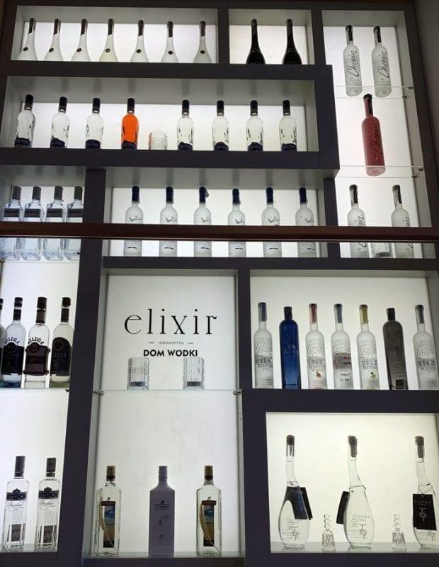 Bodegón de vodka en el restaurante Elixir de Varsovia