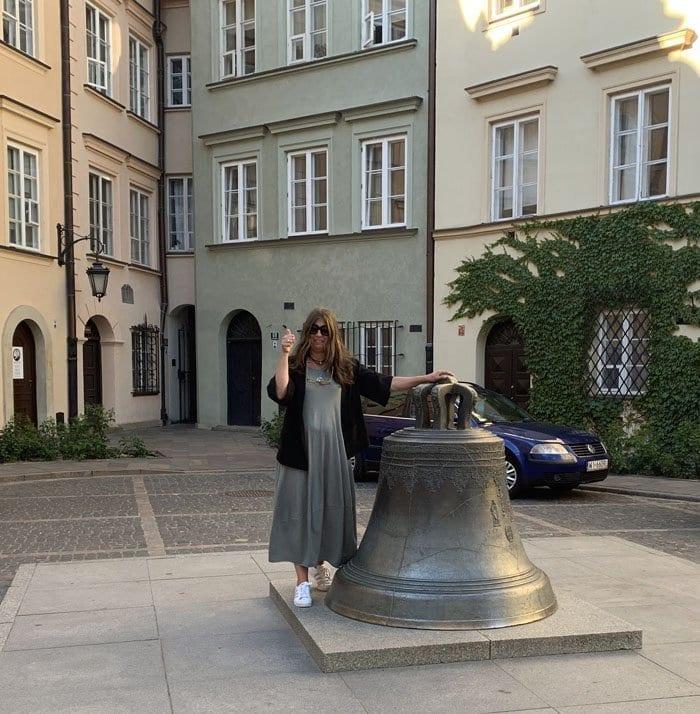 Hay que dar tres vueltas a la campana para volver a Varsovia
