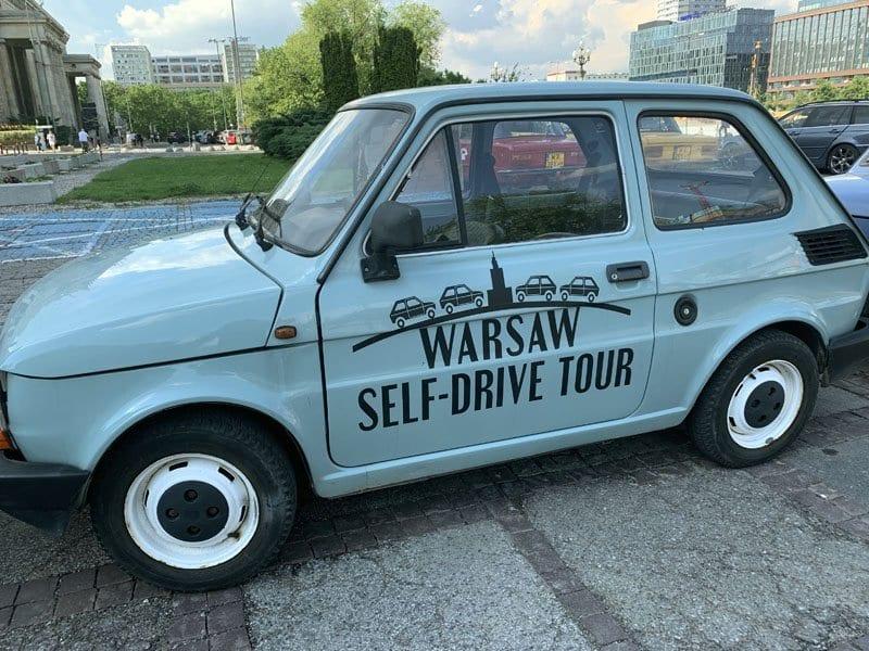En Varsovia puedes alquilar un coche de la época comunista