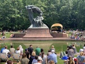 Detalle de los conciertos al pue de la escultura a Chopin