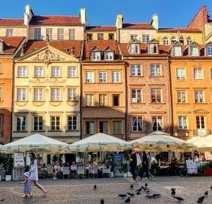 Detalle de casas reconstruidas en la plaza del Mercado de Varsovia