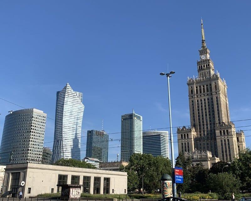 La torre de Stalin convive con nuevos rascacielos