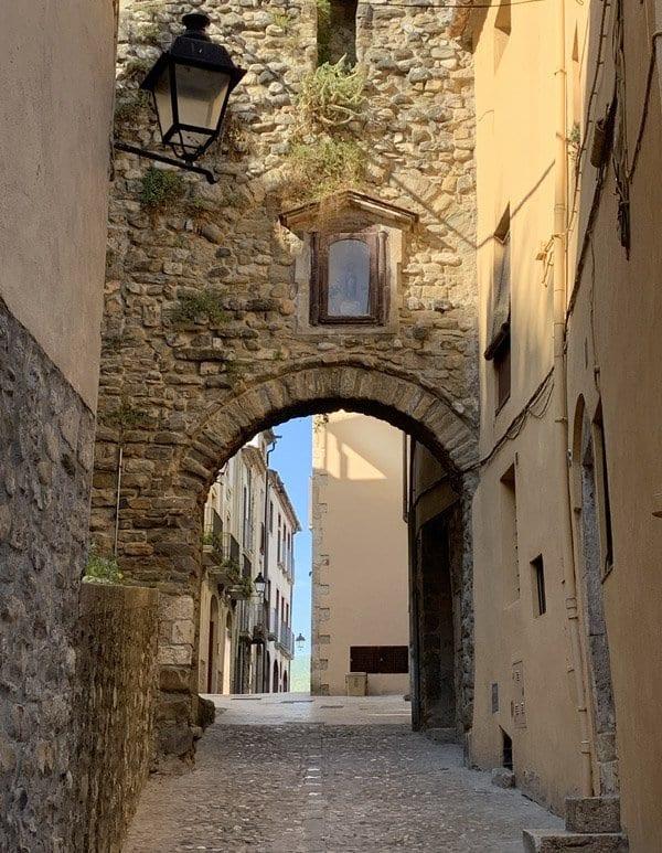 Besalú conserva su esencia medieval