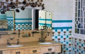 Detalle modernista de los baños de la casa Font