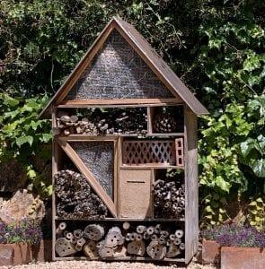 Curioso hotel para insectos