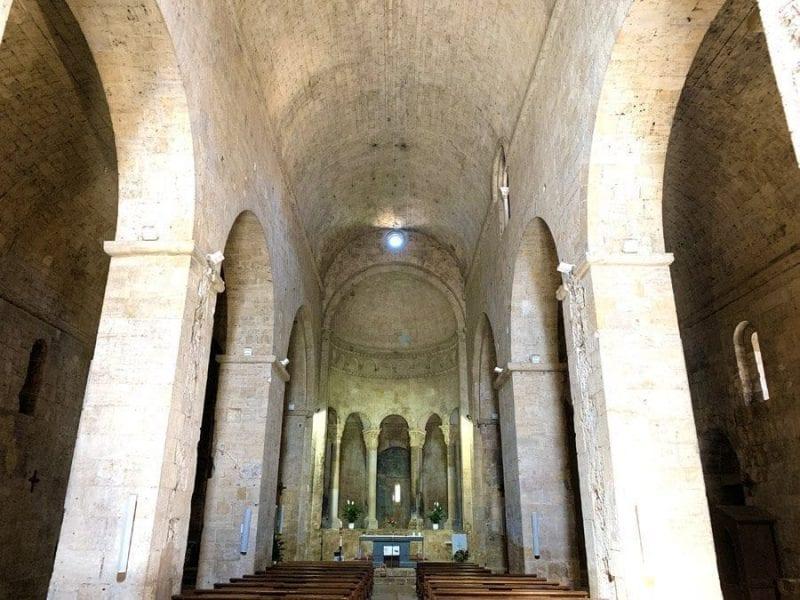 Interior de la iglesia de San Vicente