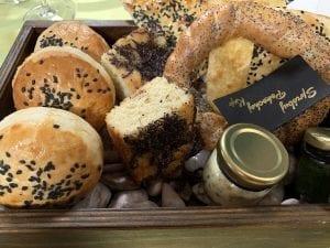 Degustación de panes en el restaurante del castillo