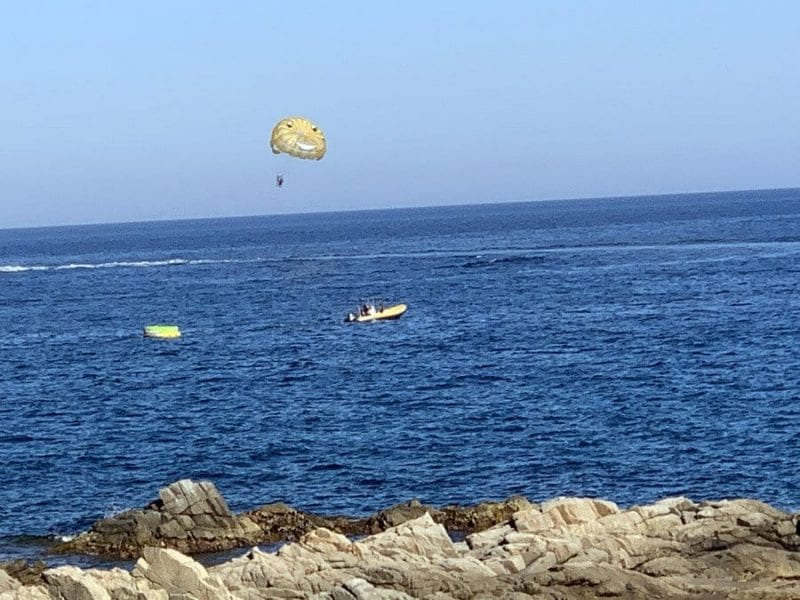 El parasailing está de moda en LLoret