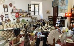 Tienda de recuerdos y objetos curiosos en Castelo Rodrigo