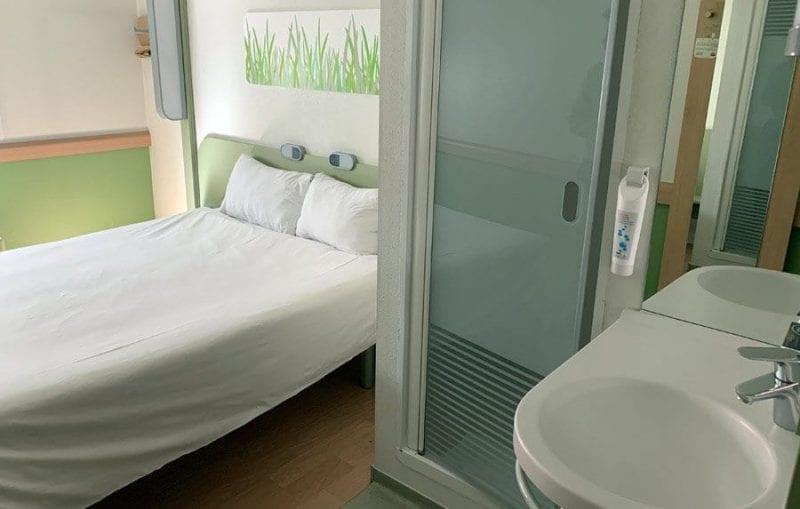 Detalle lavabo hotel Ibis
