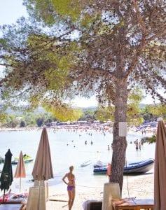 Rincón de Cala Bassa en el oeste de la isla, una de las playas mas hermosas