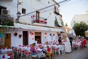 La plaza de la Vila es el corazón intramuros de Ibiza