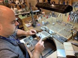Mike Rombout en su taller