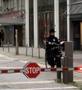 Un judío en las calles del diamante de Amberes
