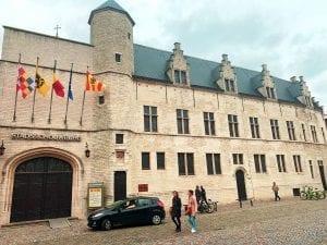 Aspecto actual del palacio de Margarita de Austria en Malinas