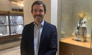 Rafael Torres recibe personalmente a los visitantes